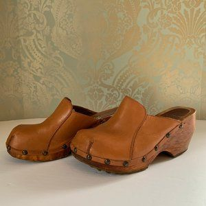 Vintage Handcarved London Underground 70's Clogs